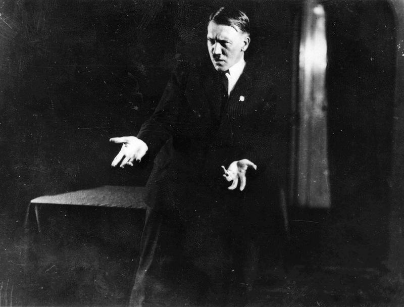 Hitler-a01